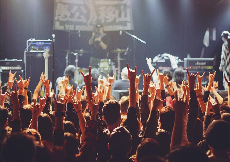 郑钧摇滚之夜门票全城派送,献给热爱摇滚的你!